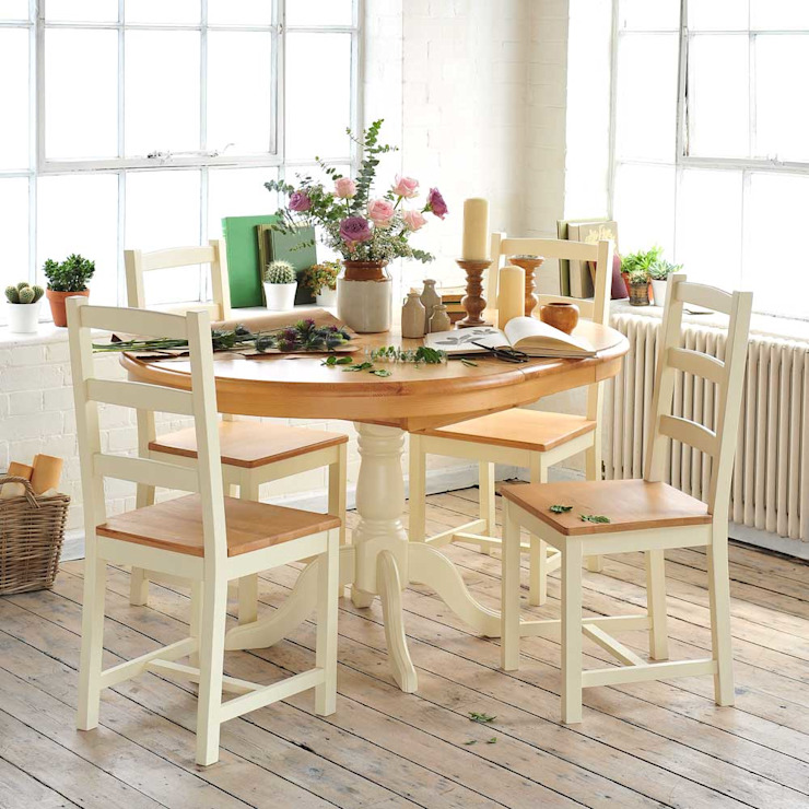 Wiltshire Painted 110cm-150cm Ext. Dining Table and 4 Chairs Ruang Makan Gaya Country Oleh The Cotswold Company Country Kayu Wood effect