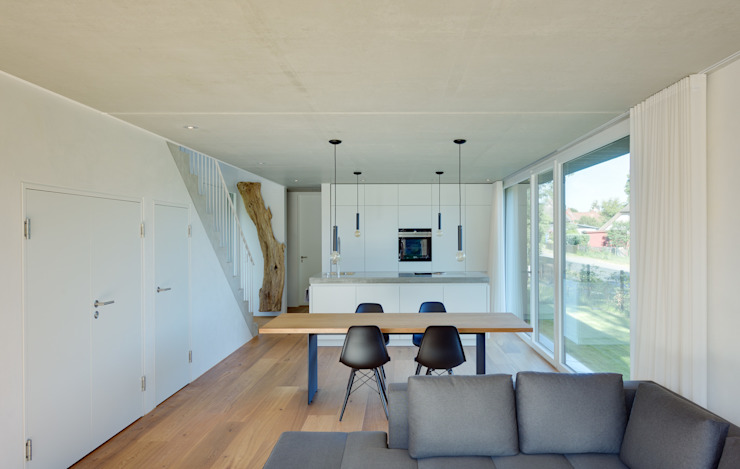 Wohn- und Essbereich Moderne Wohnzimmer von Möhring Architekten Modern