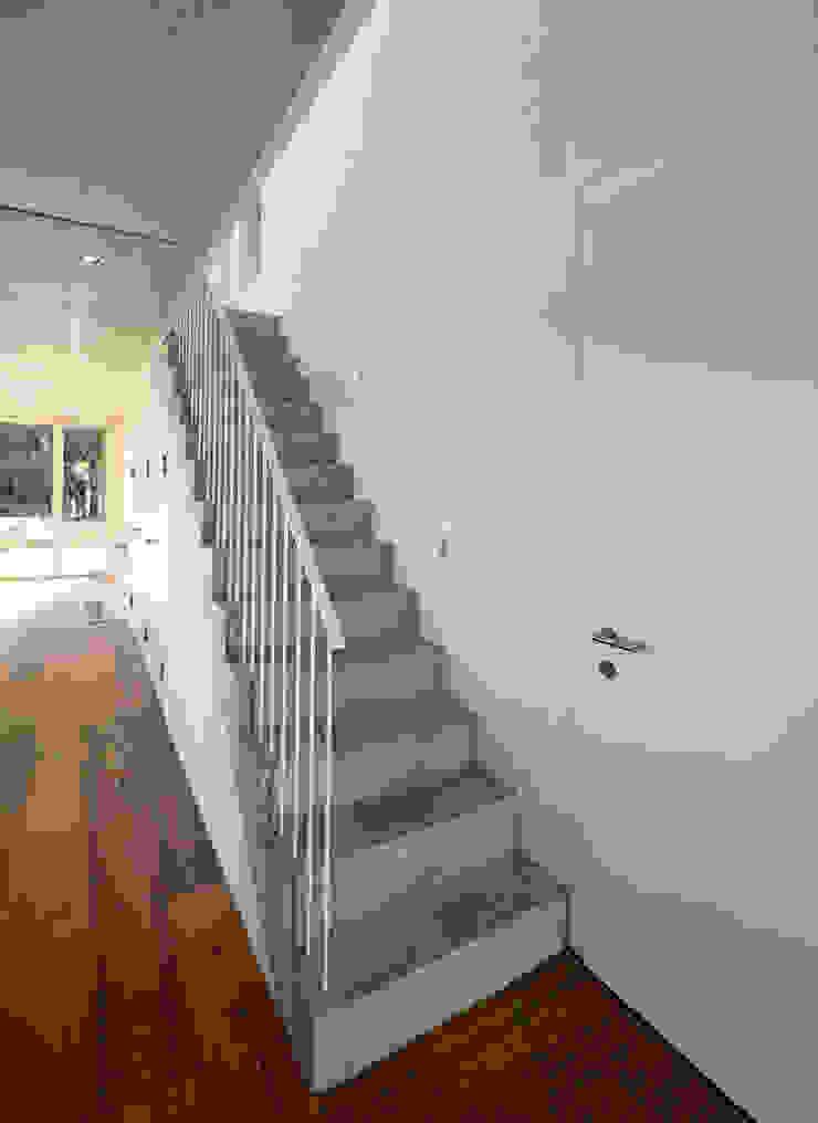 Treppe Moderner Flur, Diele & Treppenhaus von Möhring Architekten Modern