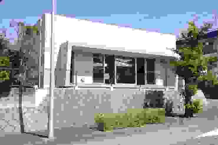YY-HOUSE ミニマルな 家 の 久安典之建築研究所 ミニマル ガラス