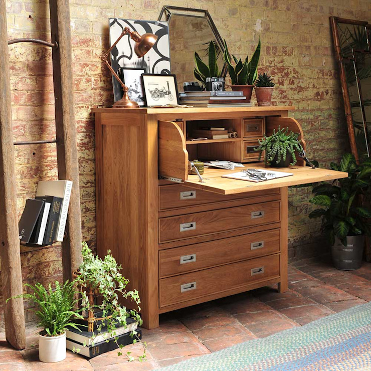 Light Oak Hidden Bureau Ruang Studi/Kantor Gaya Country Oleh The Cotswold Company Country Kayu Wood effect