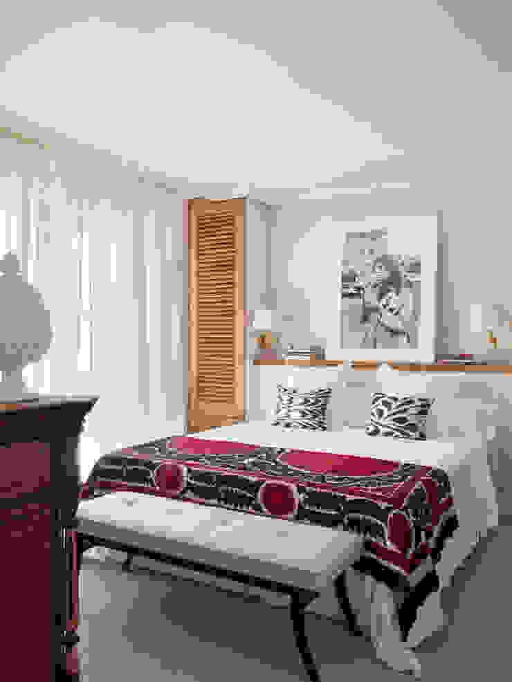 BELEN FERRANDIZ INTERIOR DESIGN Eclectic style bedroom