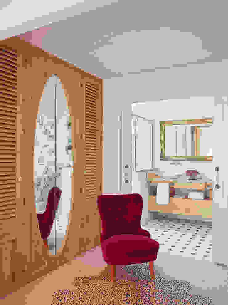 BELEN FERRANDIZ INTERIOR DESIGN Eclectic style dressing rooms