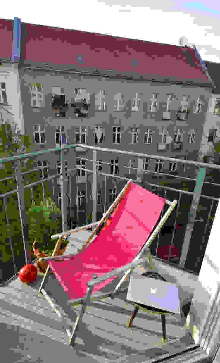 Eklektyczny balkon, taras i weranda od Mighty Vintage Eklektyczny