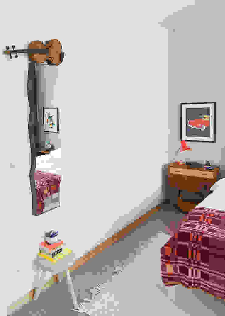 Eklektyczna sypialnia od Mighty Vintage Eklektyczny