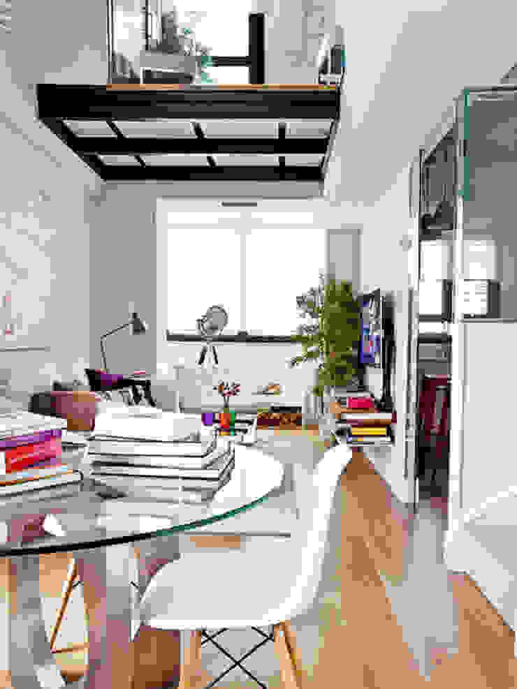 Salon moderne par BELEN FERRANDIZ INTERIOR DESIGN Moderne