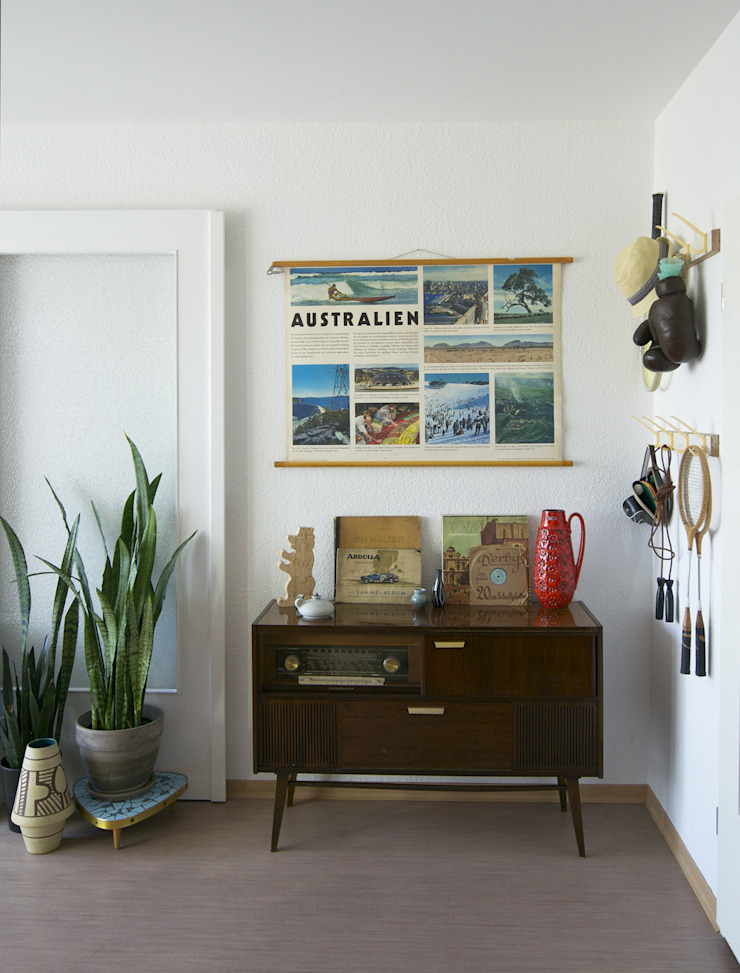 Mighty Vintage Eclectic style living room