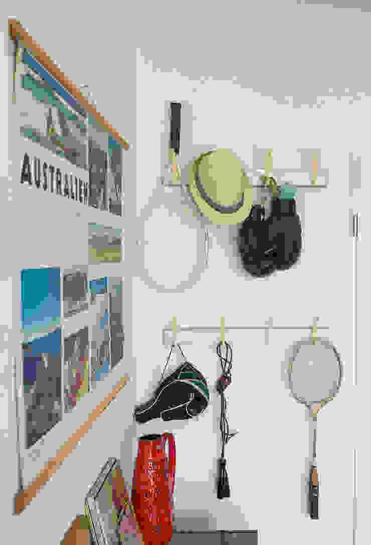 Ruang Keluarga Gaya Eklektik Oleh Mighty Vintage Eklektik