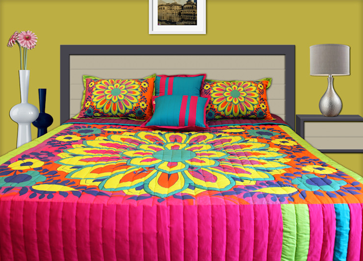 Big Flower Motif King Size Quilted Bedspread homify BedroomTextiles Cotton Multicolored