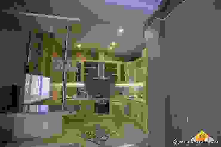 Загородный дом в Быково Кухни в эклектичном стиле от Строев Михаил Эклектичный