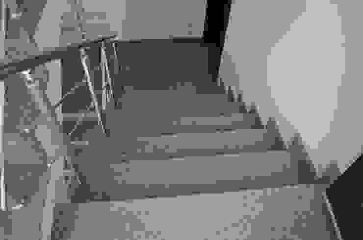 ห้องโถงทางเดินและบันไดสมัยใหม่ โดย Ege Mermer Granit โมเดิร์น