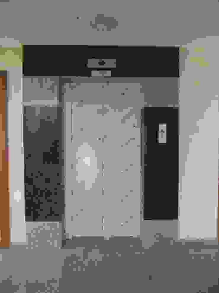 Ege Mermer Granit 現代風玄關、走廊與階梯