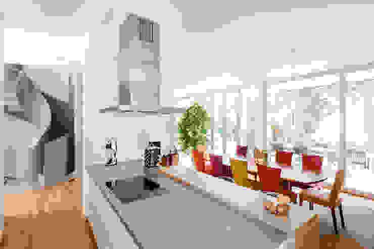 Wohnhaus in Dresden Moderne Küchen von Hildebrandt Architekten Modern