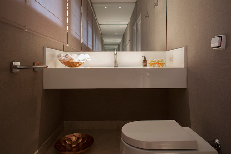 Lavabo Deborah Basso Arquitetura&Interiores Banheiros minimalistas Mármore Branco