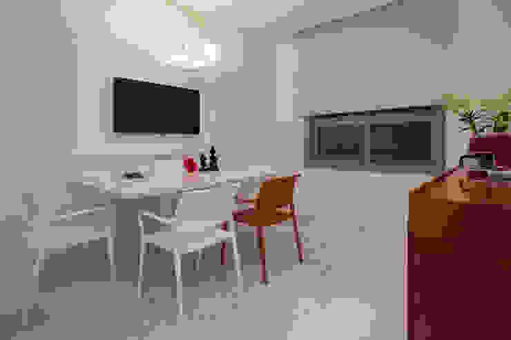根據 Deborah Basso Arquitetura&Interiores 簡約風 塑膠