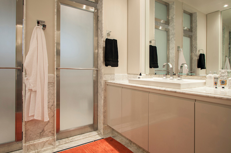 Minimalist bathroom by Deborah Basso Arquitetura&Interiores Minimalist Marble