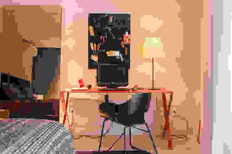 Dormitório de hóspedes Quartos minimalistas por Deborah Basso Arquitetura&Interiores Minimalista Madeira Efeito de madeira