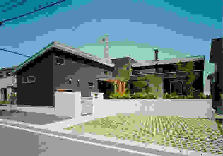 南から見た外観 モダンな 家 の アール・アンド・エス設計工房 モダン