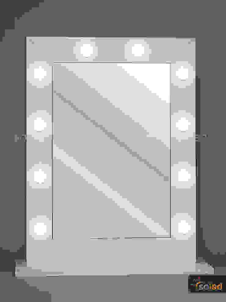 Lustro Hollywood Make Up Stand – Soleda Mirror od SOLED Projekty i Dekoracje Świetlne Jacek Solka Nowoczesny