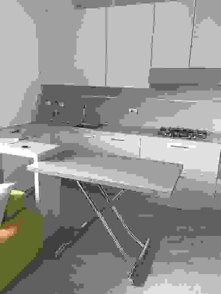 Arreda Progetta di Alice Bambini 現代廚房設計點子、靈感&圖片 Beige