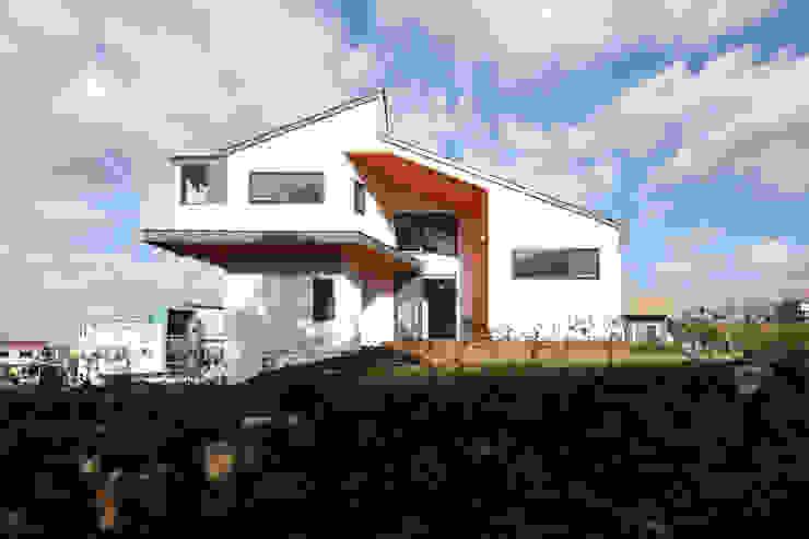 한라산뷰가 보이는 측면모습 모던스타일 주택 by 주택설계전문 디자인그룹 홈스타일토토 모던