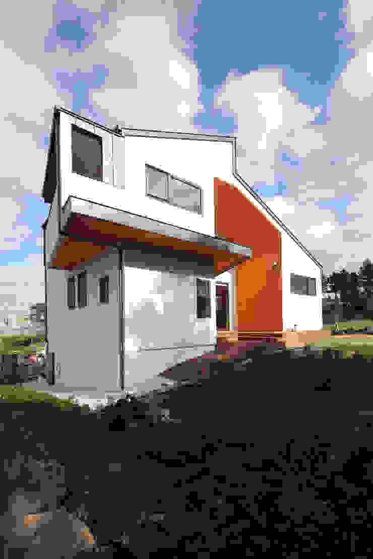 북쪽 바다조망 모던스타일 주택 by 주택설계전문 디자인그룹 홈스타일토토 모던
