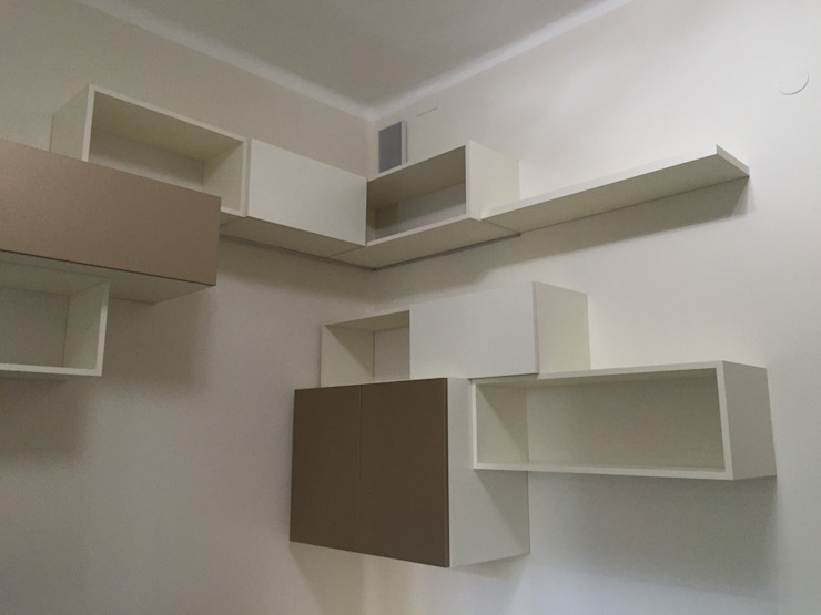Escritórios modernos por Arreda Progetta di Alice Bambini Moderno