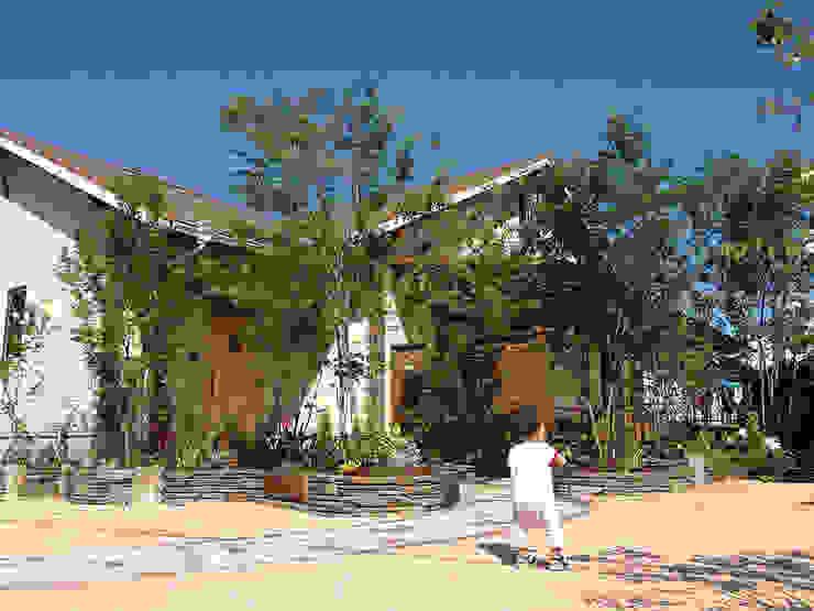 外観=庭 オリジナルな 家 の 株式会社粋の家 オリジナル