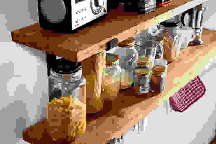 Küchenregal Large aus rohem Stahl und Eiche Vollholz: industriell  von Rough And Ready,Industrial