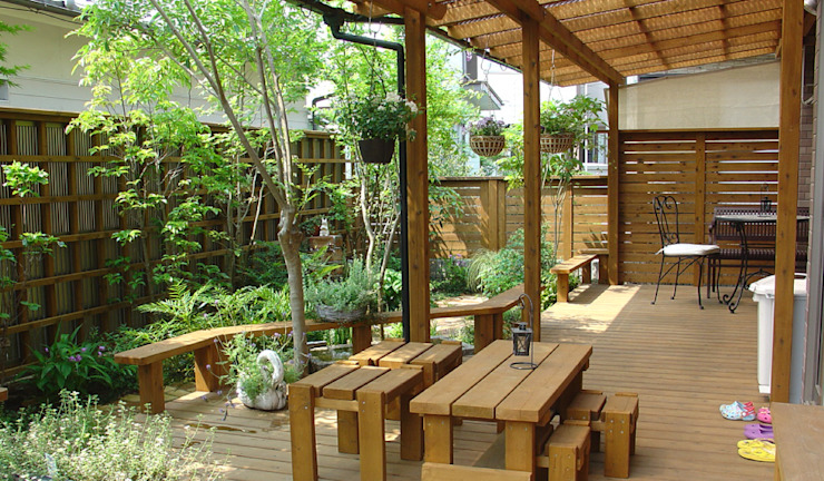 Eclectic style garden by 株式会社粋の家 Eclectic