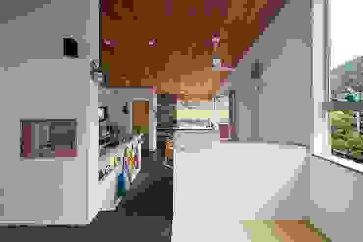 living(tatami space) Гостиные в эклектичном стиле от キリコ設計事務所 Эклектичный