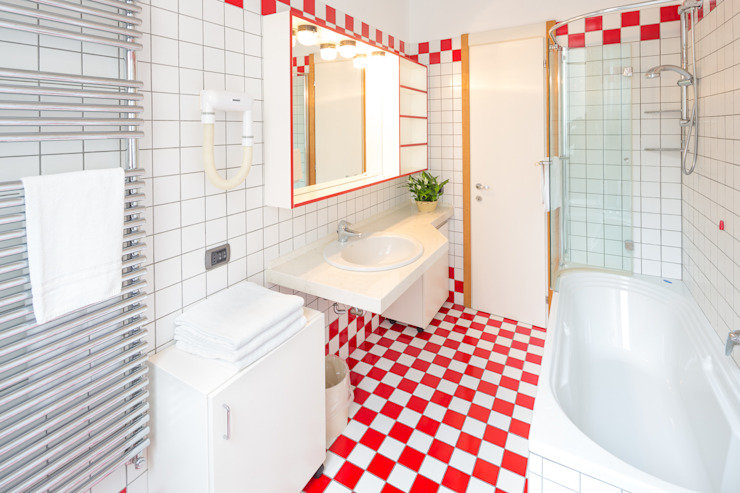 Black & White Studios Milano Modern bathroom