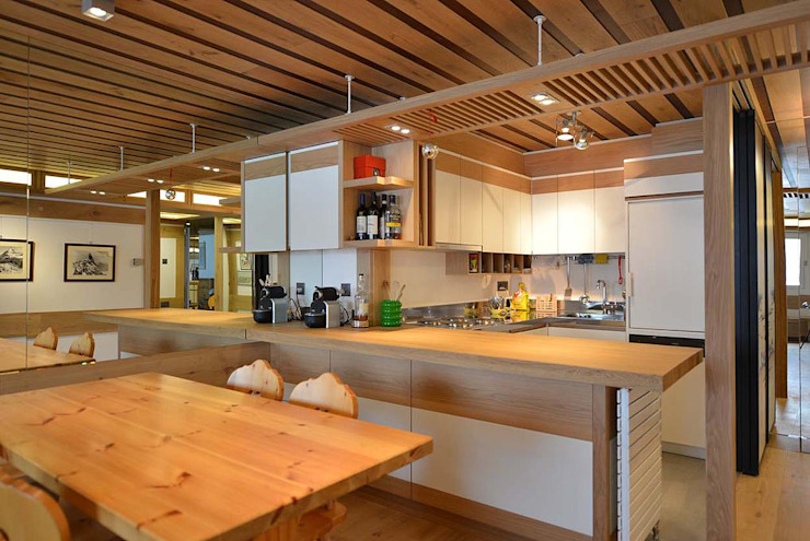 Modern Kitchen by VITTORIO GARATTI ARCHITETTO Modern Wood Wood effect