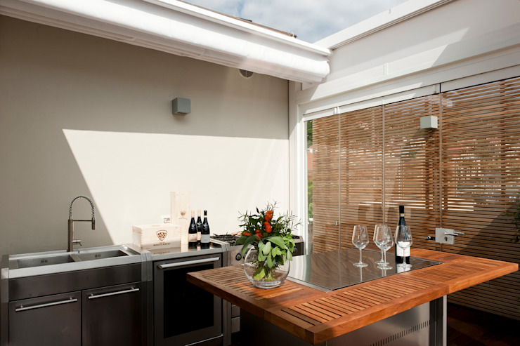 Balkon, Beranda & Teras Modern Oleh Francesca Cirilli Modern