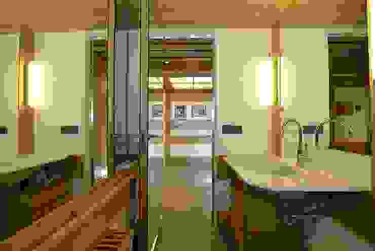 VITTORIO GARATTI ARCHITETTO Moderne Badezimmer Holz