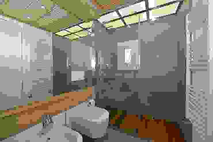 VITTORIO GARATTI ARCHITETTO Moderne Badezimmer Stein