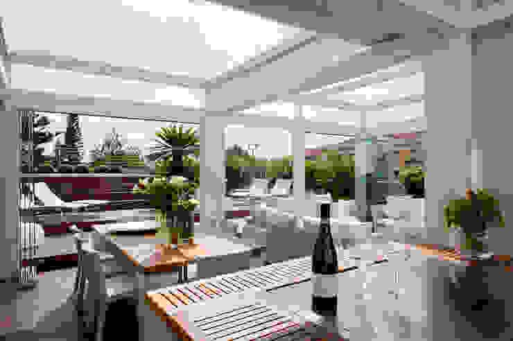 Casa Alassio Balcone, Veranda & Terrazza in stile moderno di Francesca Cirilli Moderno