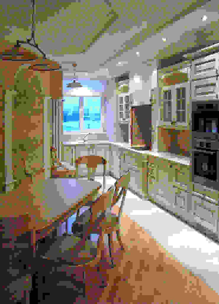 кухня-столовая Кухня в классическом стиле от Золотой Век Классический