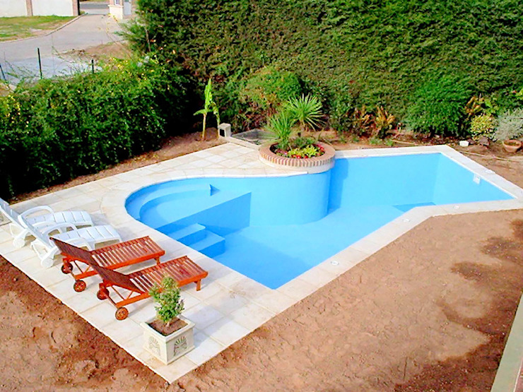 Pool by Piscinas Scualo, Modern