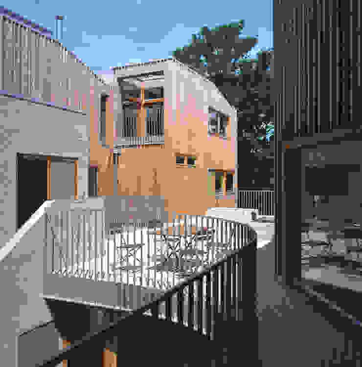 Cooper Lane Modern houses by Henley Halebrown Rorrison Modern