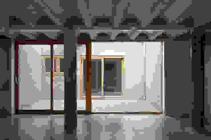 Cooper Lane Henley Halebrown Rorrison Modern corridor, hallway & stairs