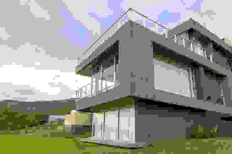 Casa MAS Casas modernas: Ideas, imágenes y decoración de Saez Sanchez. Arquitectos Moderno