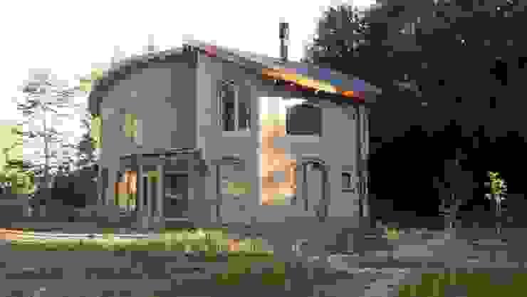 Ecohacer Bioarquitectura y Bioconstrucción Country style houses