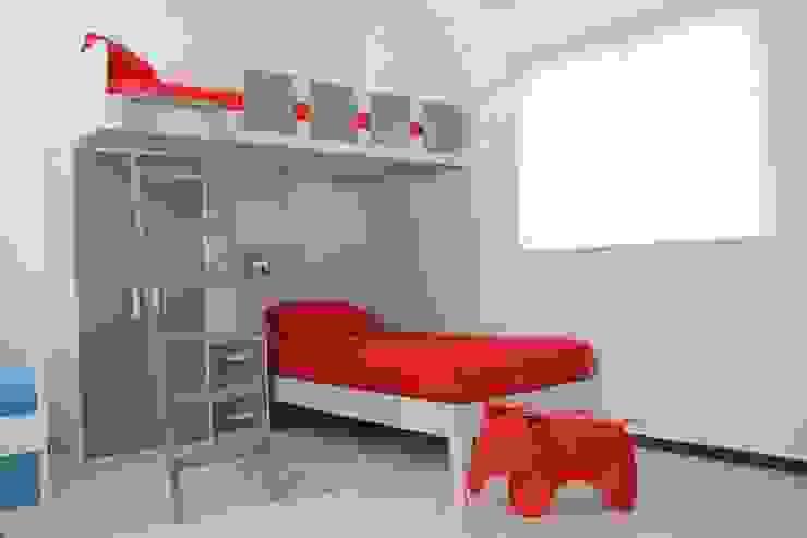 modern  by La Silla de Leonardo, Modern