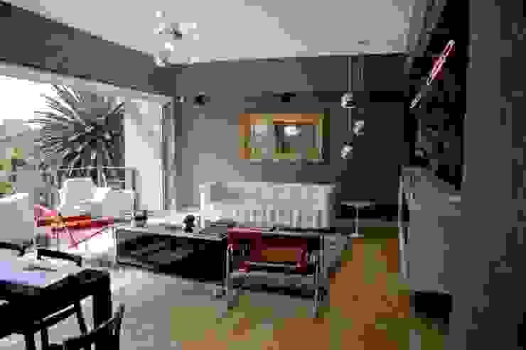 K.K. Apartment Casa Condesa Salones modernos de Elías Arquitectura Moderno