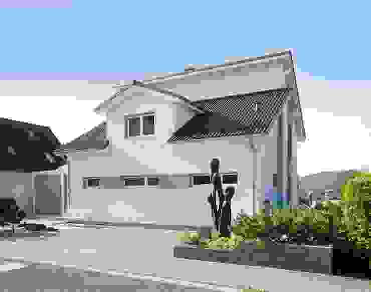 Case moderne di Fertighaus Servicebüro Schwarz Moderno