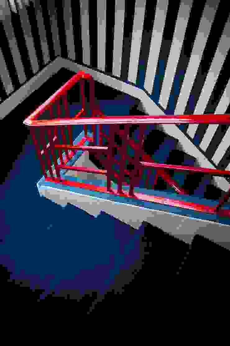 Colgate Palmolive Creative Offices-Mexico Pasillos, vestíbulos y escaleras modernos de Elías Arquitectura Moderno