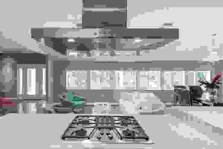 Dilido Island House-Miami 2 Cocinas modernas de Elías Arquitectura Moderno