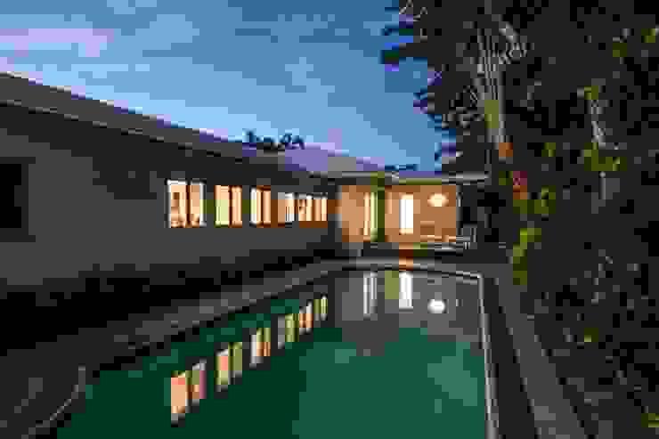Dilido Island House-Miami 2 Albercas modernas de Elías Arquitectura Moderno