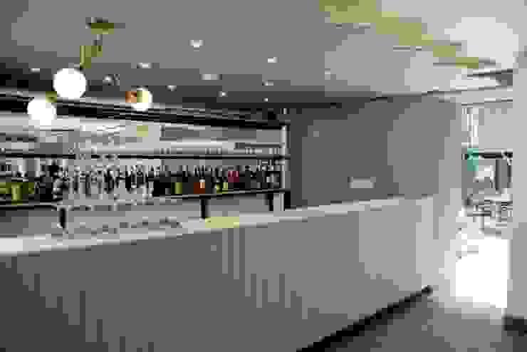 Flor de Mayo Hotel & Restaurant Comedores modernos de Elías Arquitectura Moderno